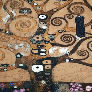 Sciarpa, Stola sfrangiata, disegno Albero della Vita di klimt, Multicolore Colore interno Beige, Lana e Viscosa, dimensioni180X74 cm2